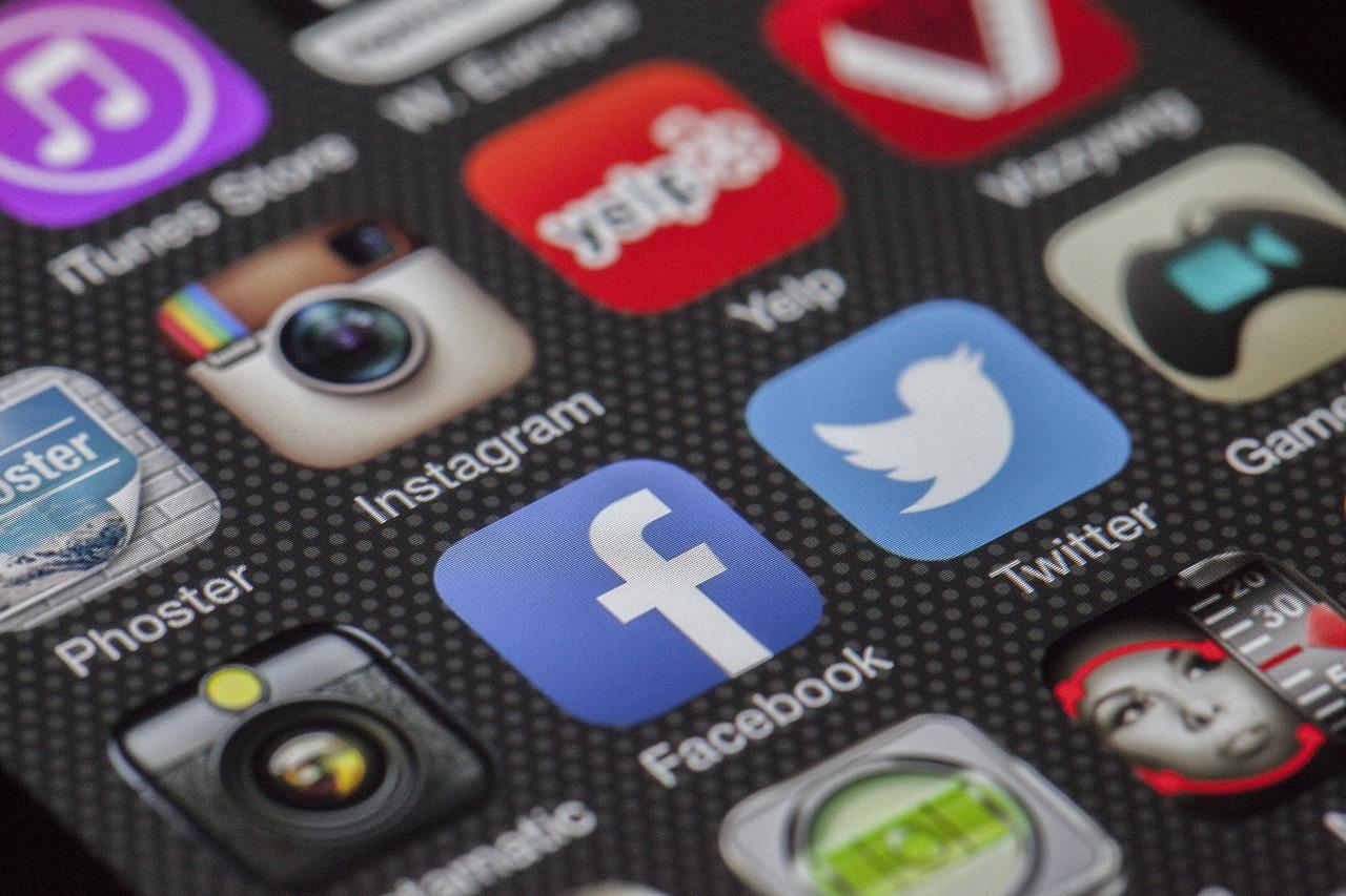 Social Business Reviews